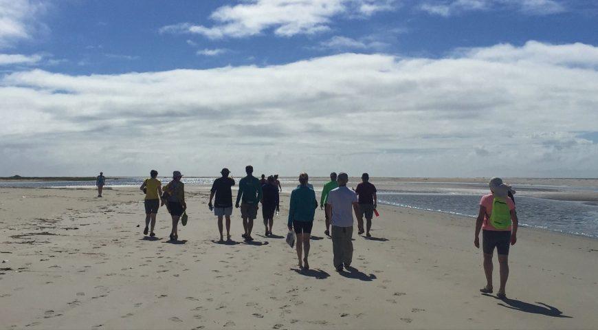 Travessia da Praia Deserta de Superagui